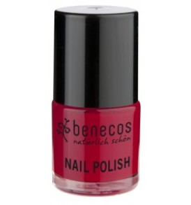smalto-per-unghie-vintage-red-nail-polish