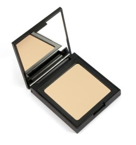foundation-light-001-defa-cosmetics-02-min