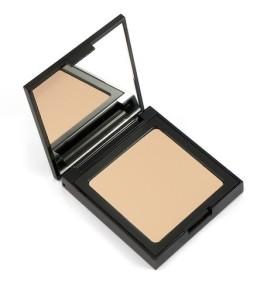 foundation-medium-002-defa-cosmetics-02-min